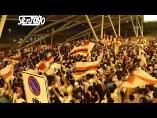 فيديو - الوايت نايتس يغنون عاش الزمالك بإستقبال كوماندوز اليد بالمطار