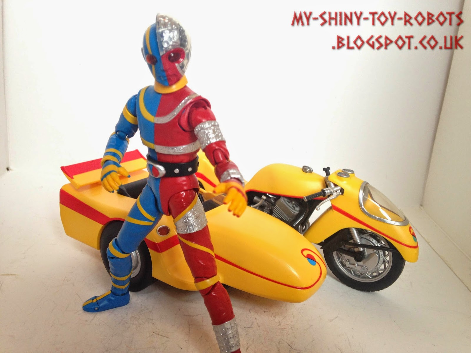 Kikaider & his ride