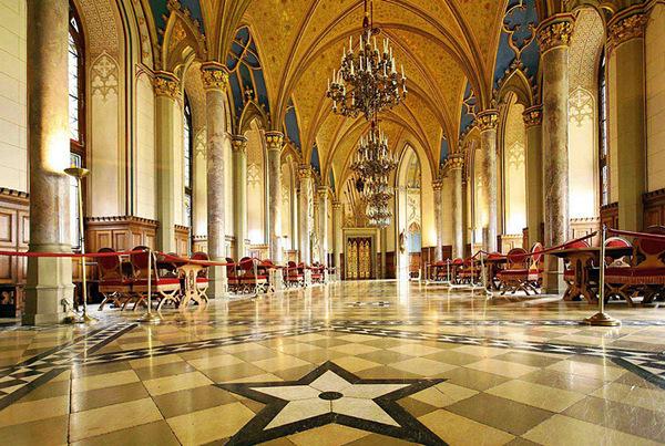 Salón de los Condes (Castillo Hohenzollern, Alemania)