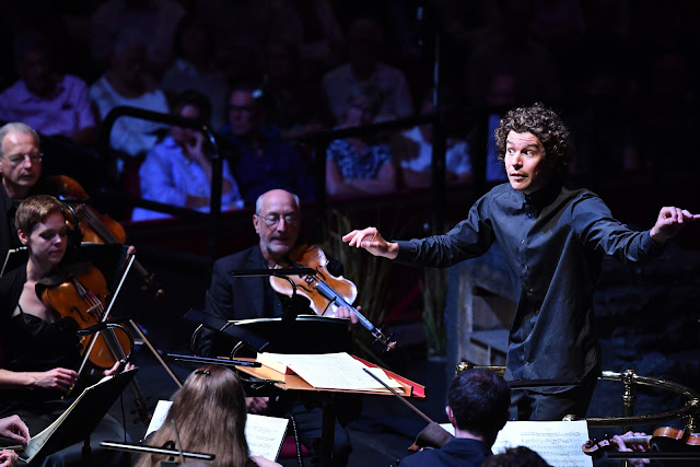 Robin Ticciati and the OAE - Mozart: La Clemenza di Tito - Glyndebourne Opera at the BBC Proms (Photo BBC / Chris Christodoulou)