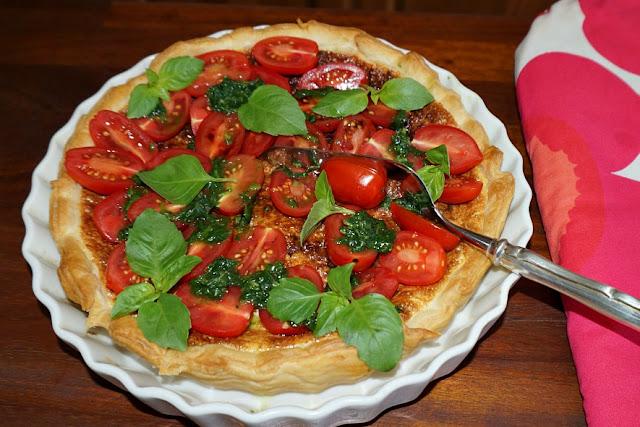 Cherry tomato and cheese tart