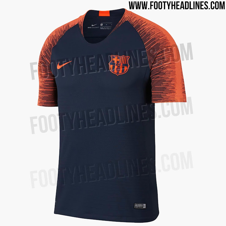 Ropa entrenamiento FC Barcelona 2018. Ese mismo esquema de colores sigue la  camiseta de manga larga  5d37df16804