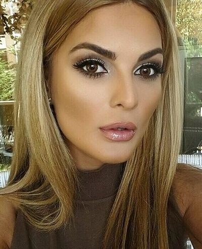 good maquillage makeup blond brown with blonde aux yeux marrons