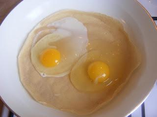 Preparare clatite umplute cu oua retete culinare,