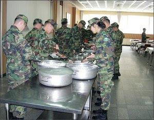 Шведский стол в Армии