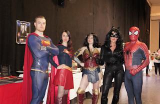 cosplay superman supergirl wonderwoman spiderman cat woman