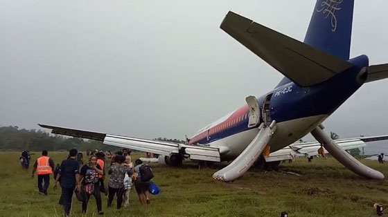 Video Detik-detik Setelah Pesawat Sriwijaya Air Tergelincir di Manokwari