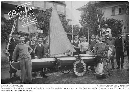 ´Turnverein aus Bensheim bei der Aufstellung zum Bergsträßer Winzerfest in der Seminarstraße (Hausnummer 17 und 15)in den 1930er Jahren, Nachlass: Joseph Stoll, lfd. No. NLJS_00040.jpg