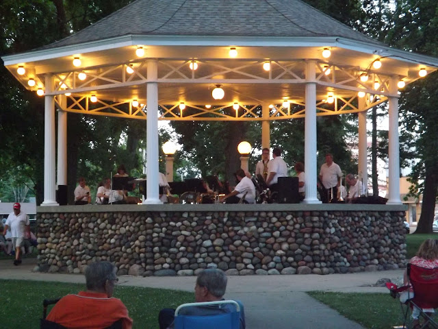 Final Summer Concert on the Square. Metamora Herald