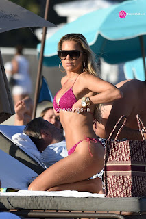 Sylvie Meis  body huge    in tiny bikini WOW Beach Side  Pics Celebs.in Exclusive 002