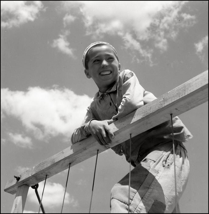 Крымскотатарский мальчик, 1943 год