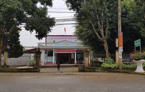 Trụ sở nơi ông Vì Văn Hà, Chủ tịch MTTQ thị trấn Lang Chánh làm việc