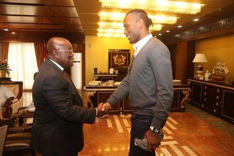 (Photo) Didier Drogba Pays Nana Addo A Surprise Visit