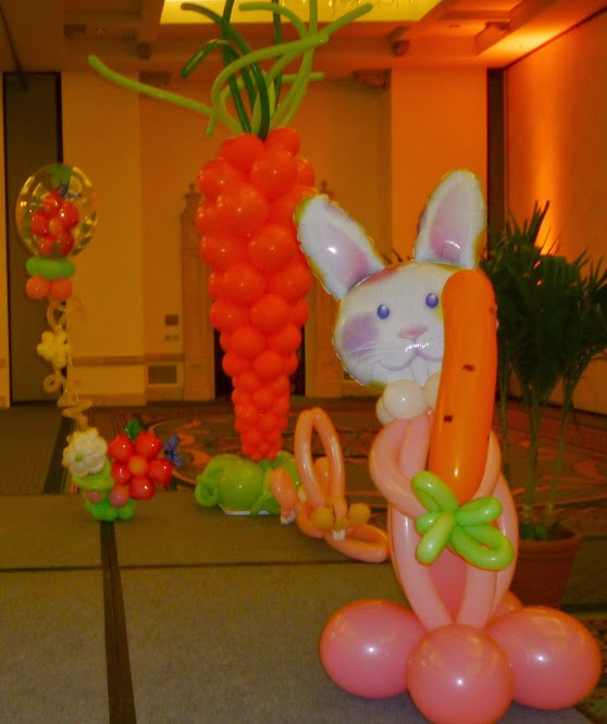 Easter Bunny balloon sculpture, Easter carrots balloon column, Easter characters