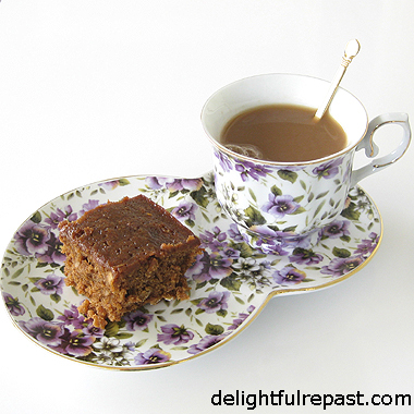 Parkin - A Classic Northern England Cake / www.delightulrepast.com