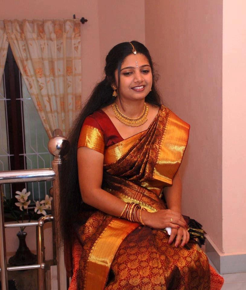 nake-girl-malayali-nodhi-teachers-over-spread-flashing