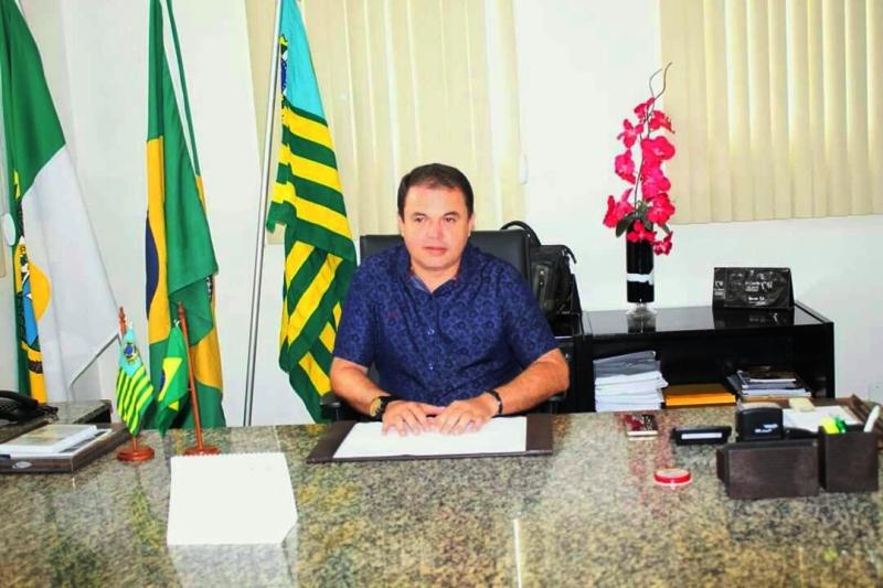 Resultado de imagem para imagens do prefeito flavio nogueira nova cruz