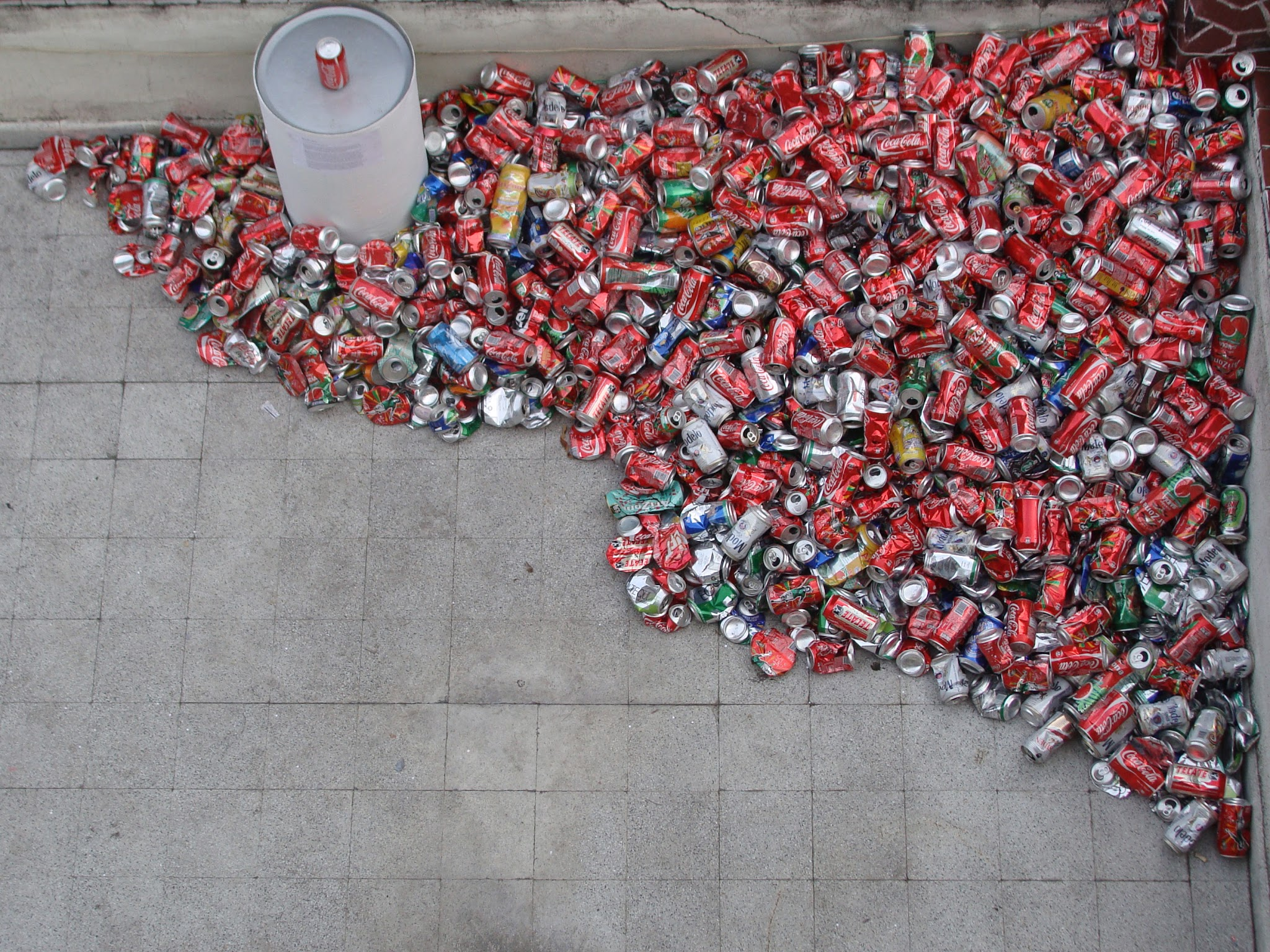 Installation with 25kg of aluminum cans (Complete)