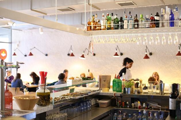 La cocina más surfera en el restaurante Caballa Canalla de Barcelona
