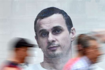 Le Monde: господин Макрон, поставьте условием вашего визита в Россию освобождение Олега Сенцова