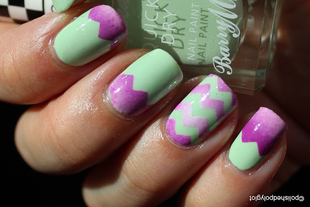 Pale green and violet zigzag gradient