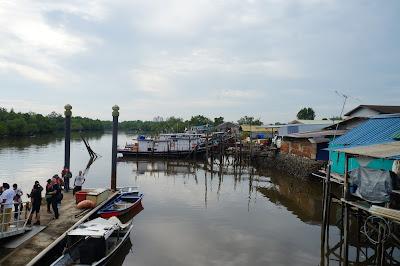 Menuju  Kuching Wetland National Par