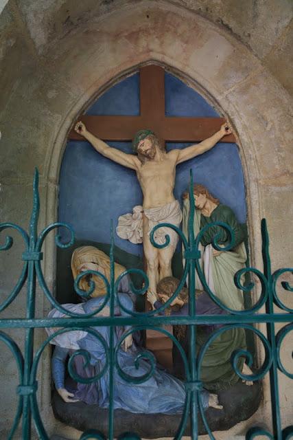 Way of the cross. Standing. Twelfth. Rocamadour. France. Крестный путь. Стояния. Двенадцатое. Рокамадур. Франция.