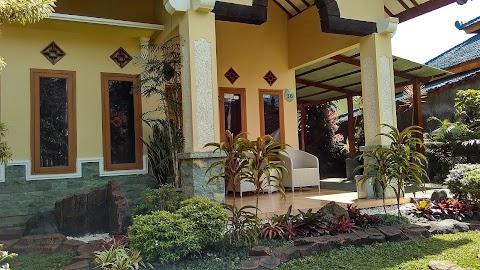 Villa Hotel Denita di Kota Batu