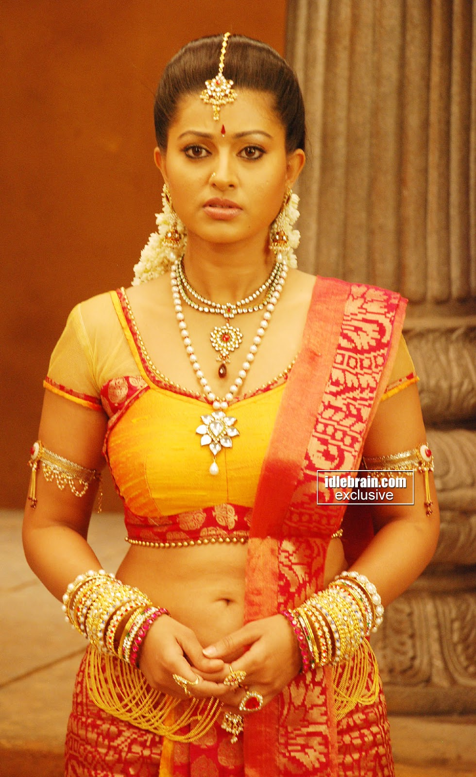 Tamil Actress Sneha Navel Show Jpg 980x1600 Actress Sneha Navel