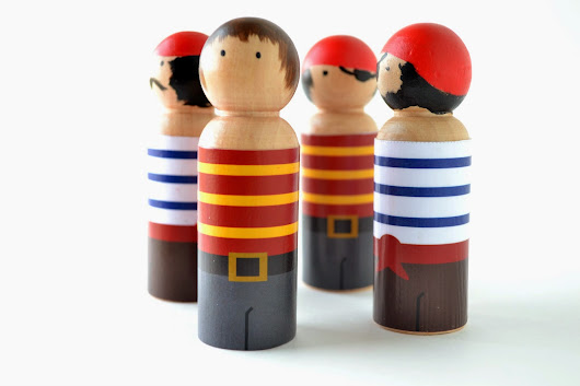 Peg People Pirate Clothes {FREE} Printable