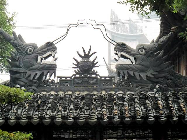 Wächter Drachen in Shanghai (C) JUREBU