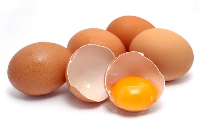 trứng gà giúp tóc hết chẻ ngọn