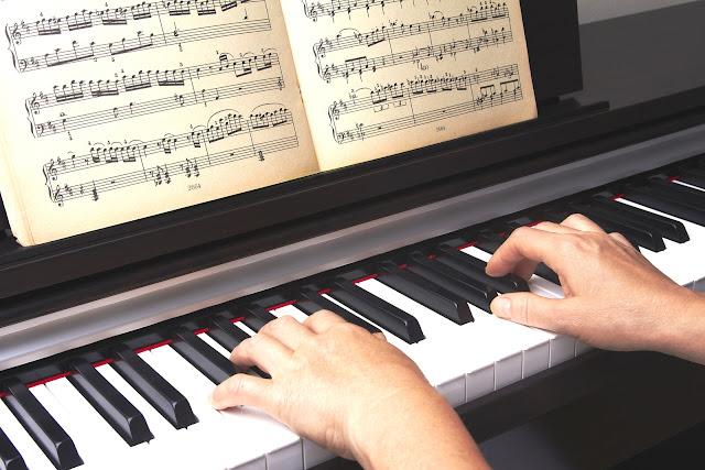 Học piano đều đặn mỗi ngày cho kết quả tốt