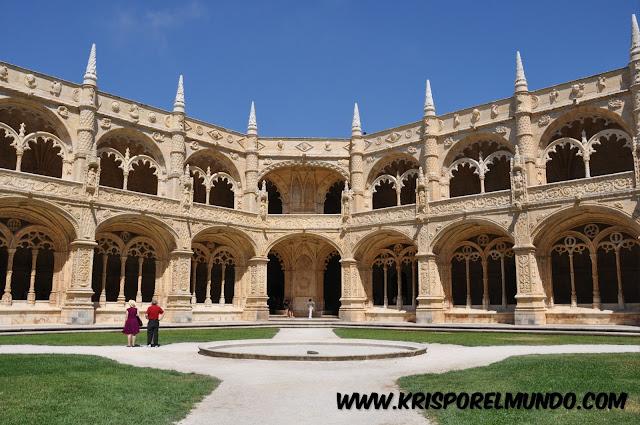 Claustro del Monasterio de Los Jerónimos en Lisboa