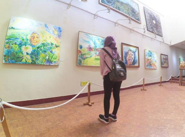 mengunjungi museum affandi