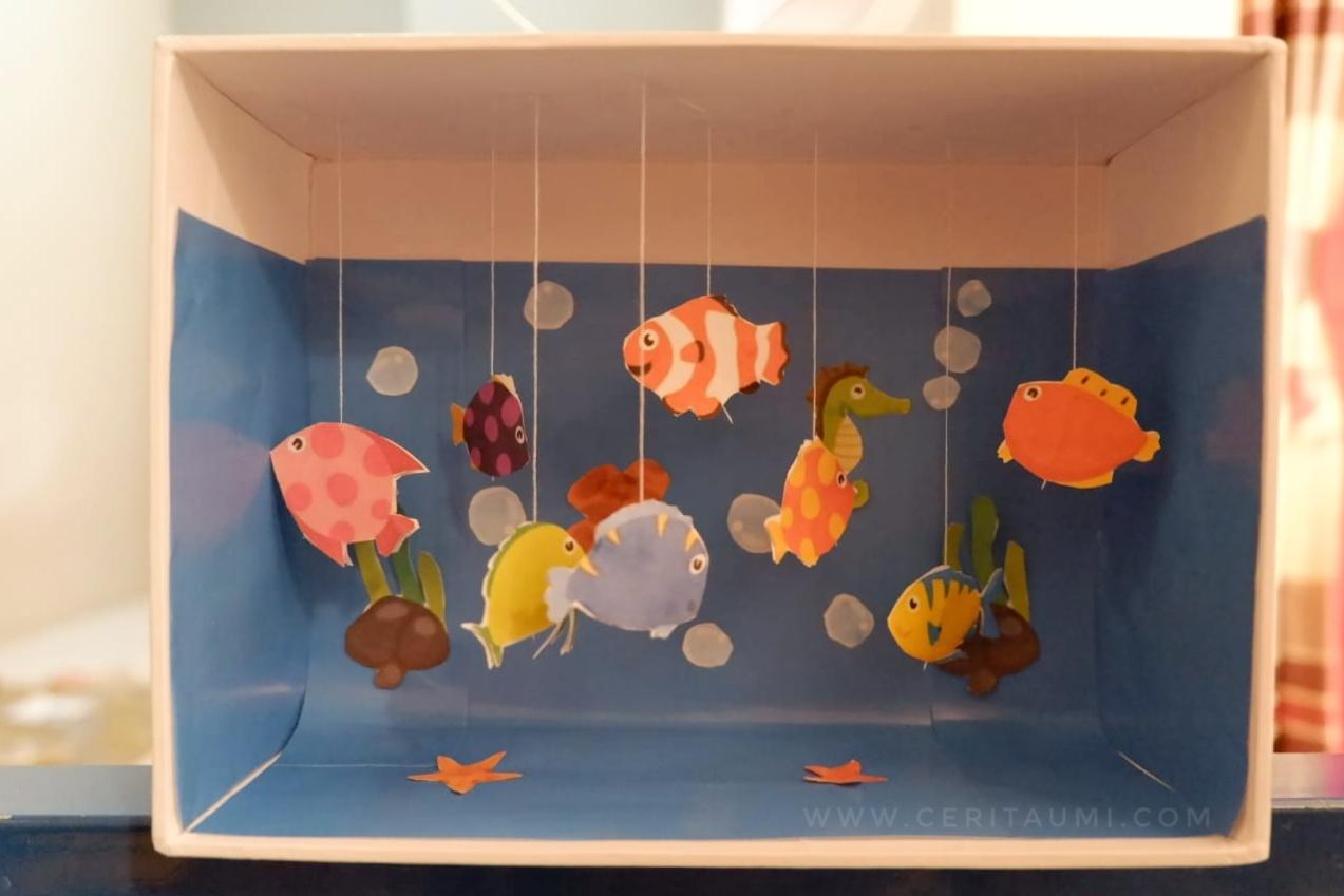 Berkresi Membuat Aquarium Tiruan Wall Decor Sekaligus Hiburan