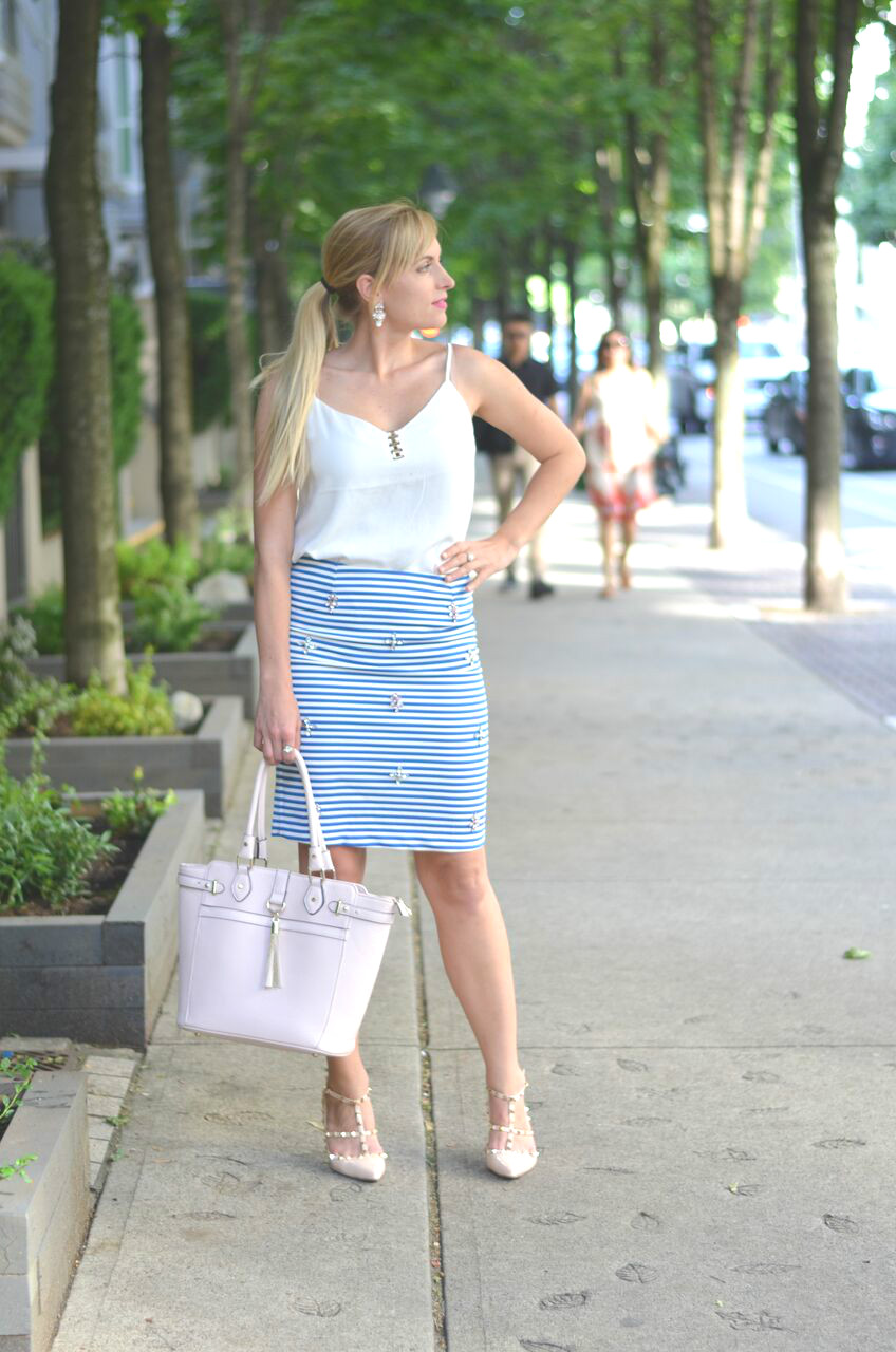 striped-pencil-skirt-business-casual