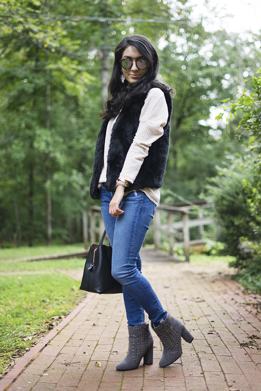 easy fall fashion outfits, how to style a faux fur vest, black fur vest outfits
