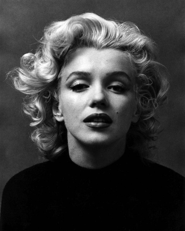 Marilyn Monroe Living Room Decor: 1 Image = 1001 Words: Milton H. Greene & Marilyn