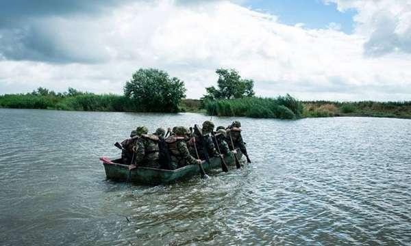 Εντυπωσιακές φωτογραφίες από στρατιωτική άσκηση στον Έβρο