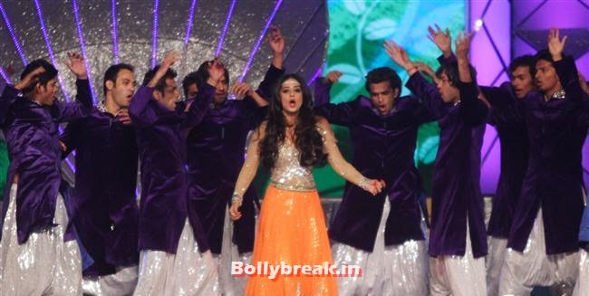 Mahi Gill, Bollywood Celebs at Umang Police Show 2014
