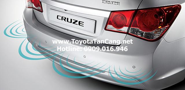 Chevrolet Cruze 2015 được trang bị cảm biến lùi tiêu chuẩn
