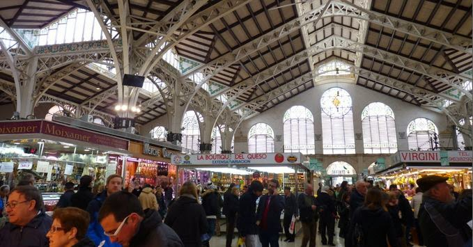 Interior del Mercado Central de Valencia.