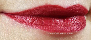 Neve Cosmetics – SuperHeroine Collection - Blood swatch su labbra