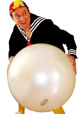 Imagen de Kiko con su pelota grande