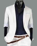 beyaz takim elbise suit Werden ein Händler.