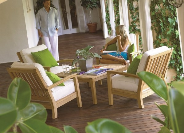 http://www.lush-fab-glam.com/2016/02/selecting-right-garden-furniture.html