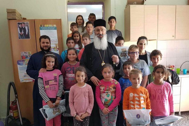 Επίσκεψη Άνθιμου σε σχολεία της Σαμοθράκης