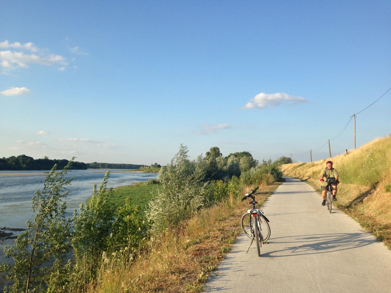 droga rowerowa nad Loarą, w kierunku Blois