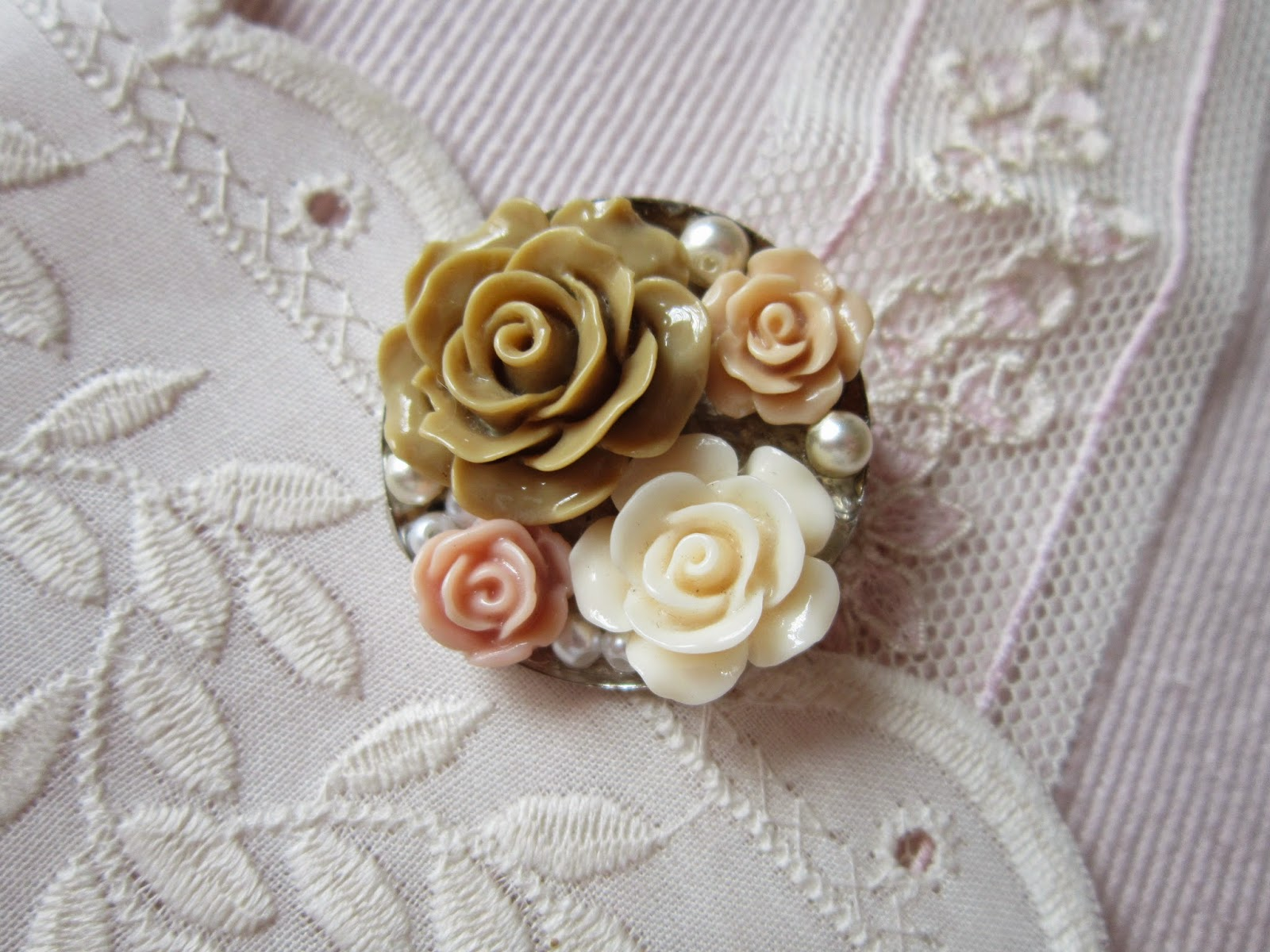 broche, brooch, pin, rosas, roses